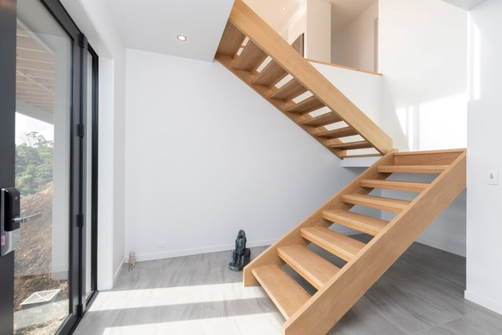 forest-heights-home-kerikeri-architect-arcline-architecture-timber-stairs